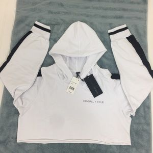 Kendall + Kylie Logo Cropped Hoodie Size L